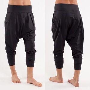Lululemon Happy Hatha Crop Pants Black
